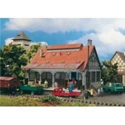 Entrepôt avec quai ferroviaire ou camion