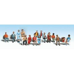 Échelle HO : 16 passagers (bancs non inclus)