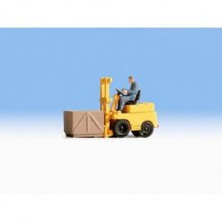 HO/ Chariot élévateur avec figurine